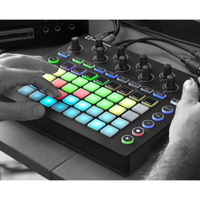 NOVATION GROOVE SYNTH MODULE 3